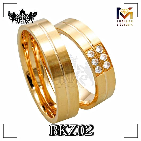 bizuteriakumor.pl obraczki24.com.pl obrączki złote 333 lub 585  protste prosty profil z nacięciem na środku  z cyrkoniami lub brylantami
