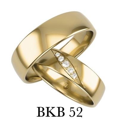 bizuteriakumor.pl obraczki/ obraczki24.com.pl komplet klasycznych obrączek dodatkowo obrączka damska posiada oprawione brylanty lub cyrkonie w formie markizy BKB52